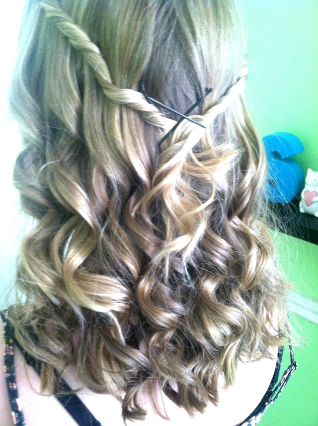 Curls for Straight, Hard to Curl Hair | Theblushingbeauty.com